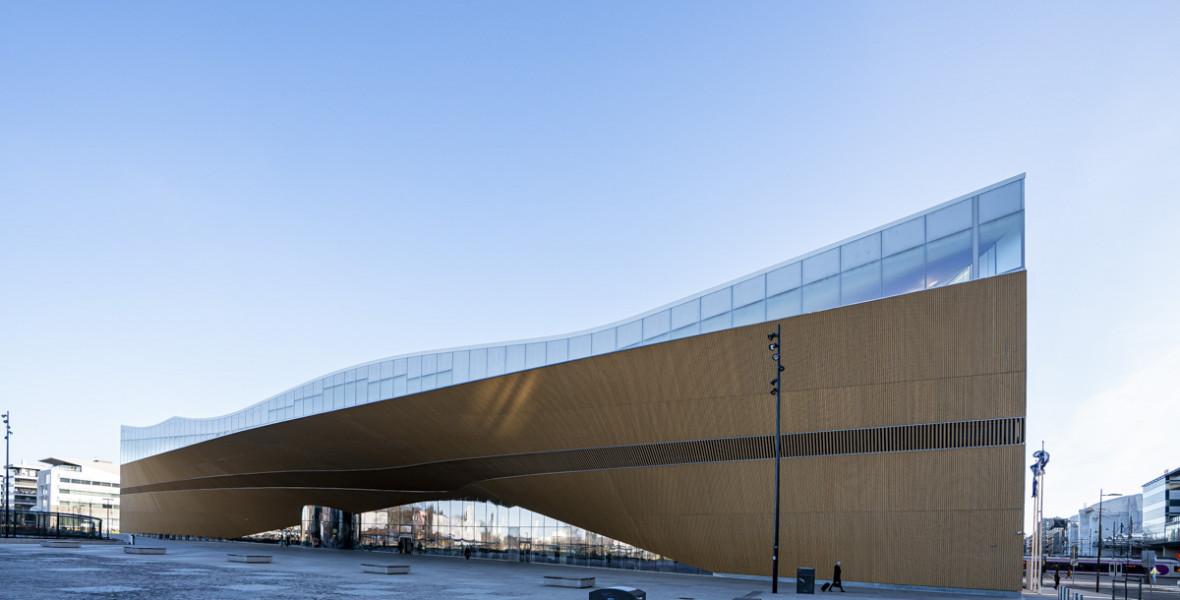 Megmutatjuk a 21. század könyvtárát, a finn könyvmennyországot!