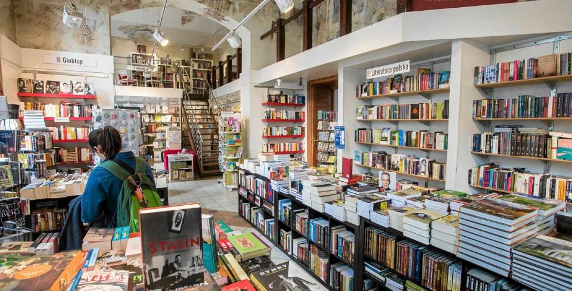 Lengyelország nulla százalékra csökkentené a könyvek áfakulcsát