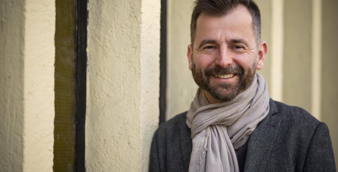 Grecsó Krisztián: A mesélésnek varázsereje van
