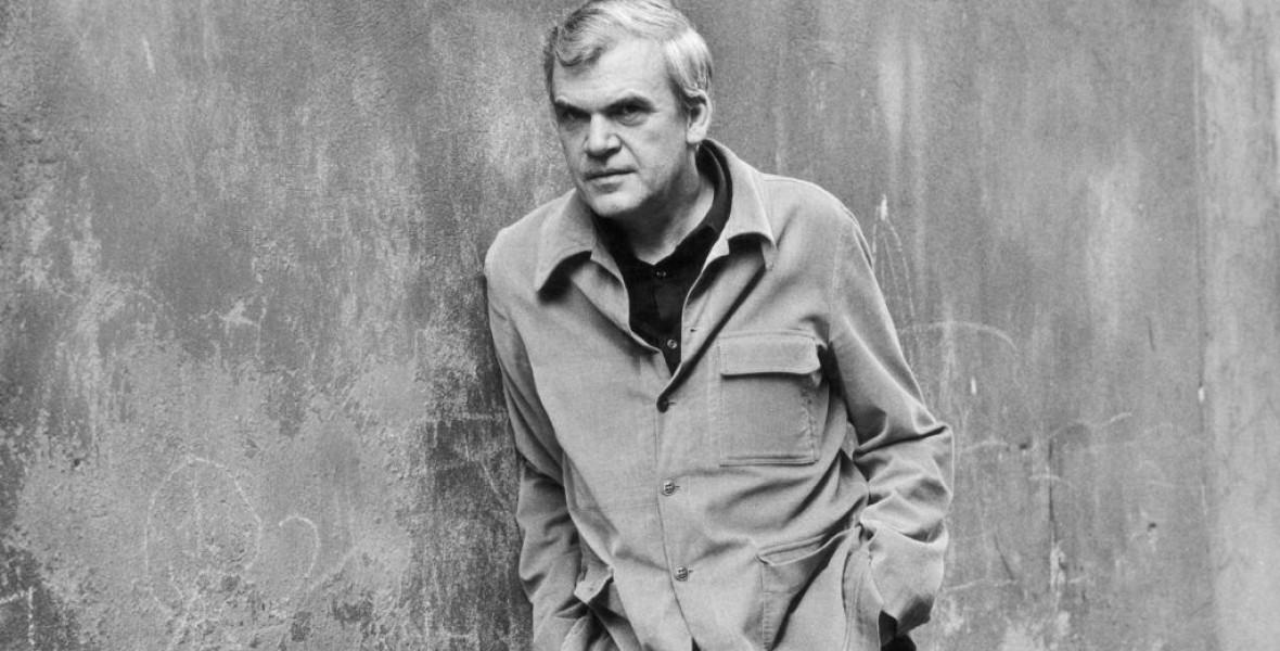 Milan Kundera a Morva Tartományi Könyvtárnak adományozza archívumát