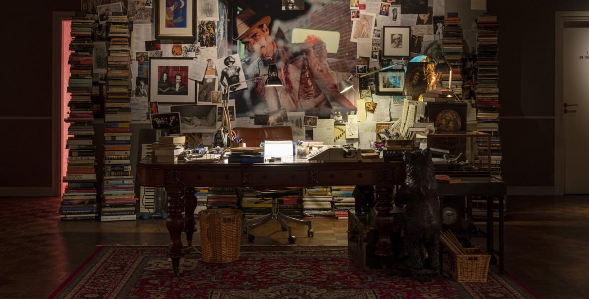 Nick Cave agya zsúfolt, és tele van könyvekkel