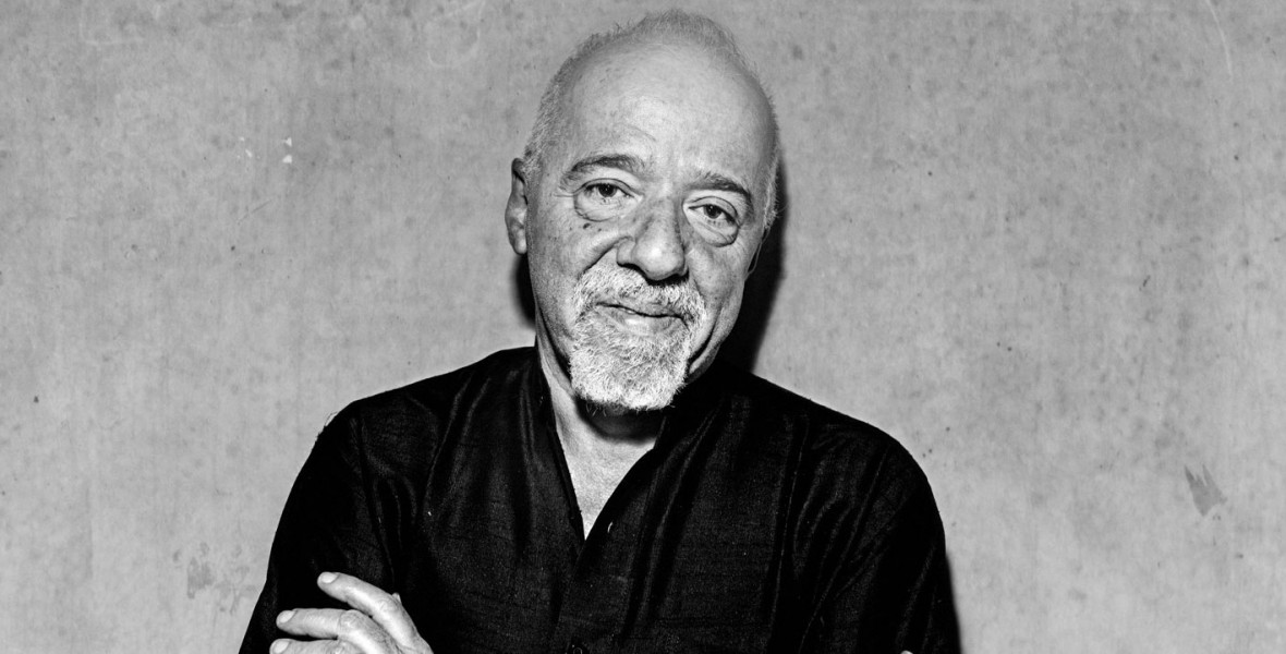 Paulo Coelho könyveit égetik Brazíliában