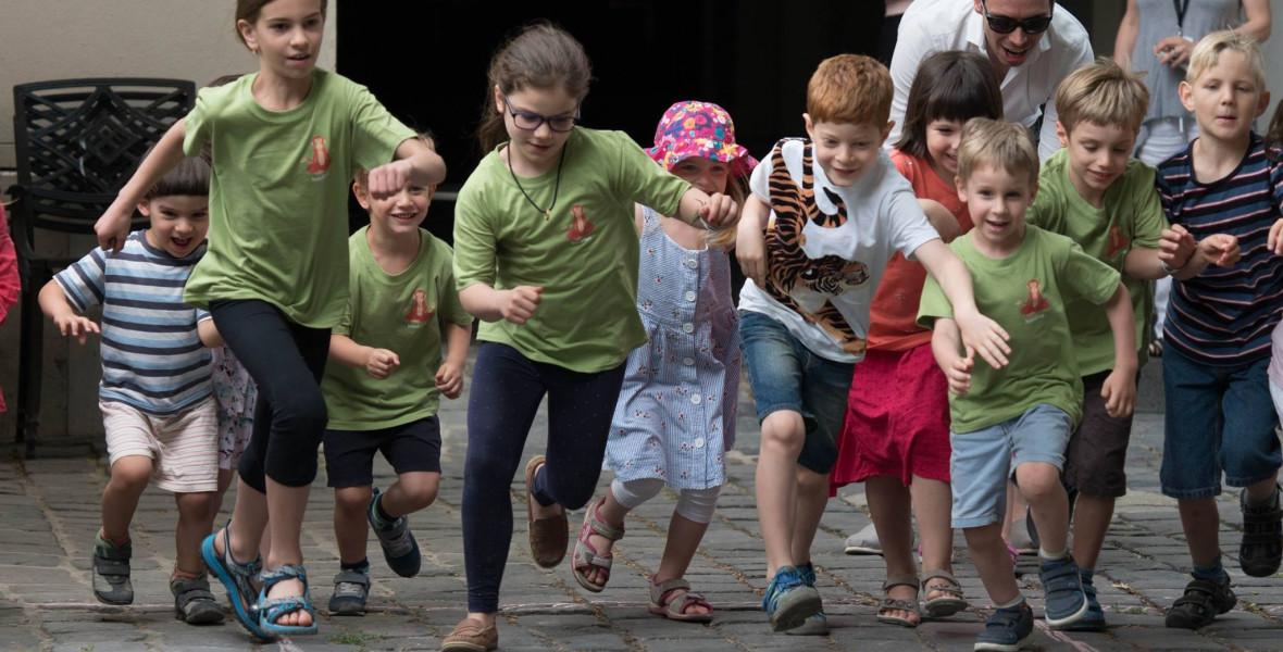 Trendek, sikerkönyvek, új hangok és nagy hiányok - Mi történt az elmúlt évtizedben a gyerekirodalomban?