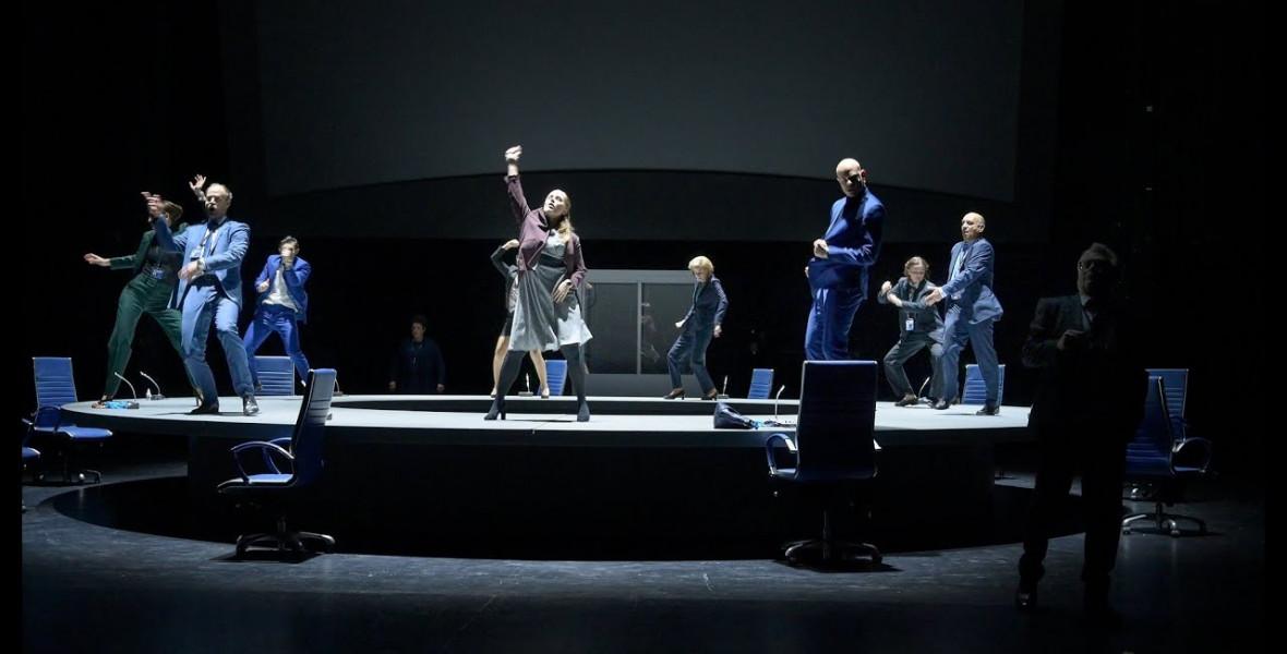 Bodó Viktor a színházba vitte a pandémiát