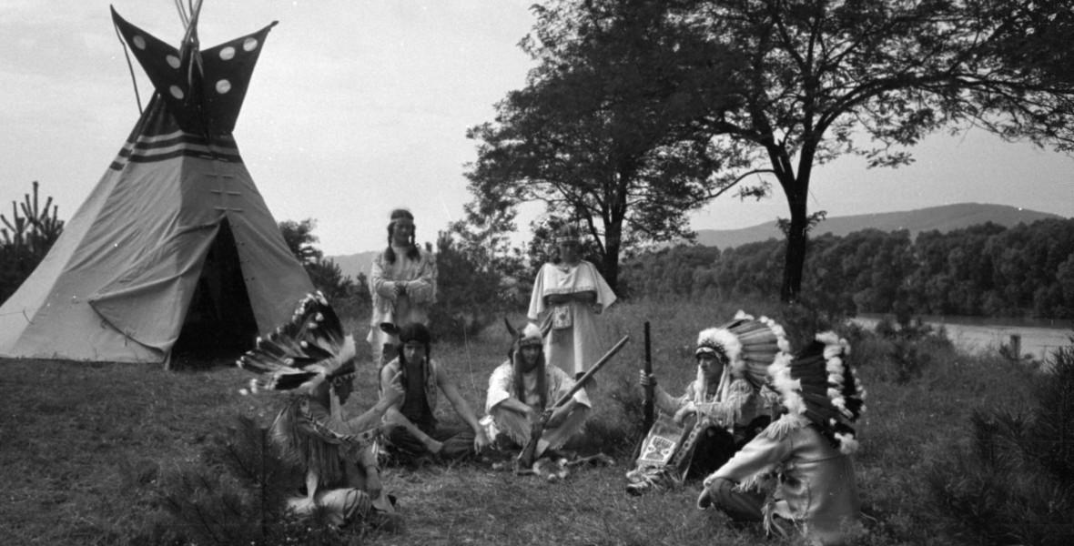 Vagyunk-e még indiánok? - A magyar indiánozásról nyílt kiállítás a PIM-ben