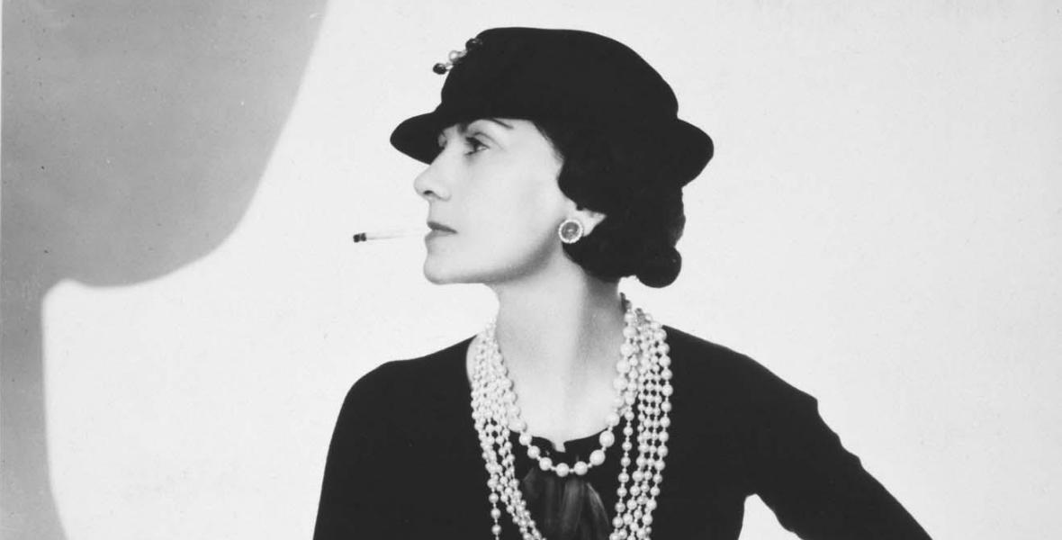 Nácik, fűzők és self branding - Coco Chanel 20. százada [podcast]