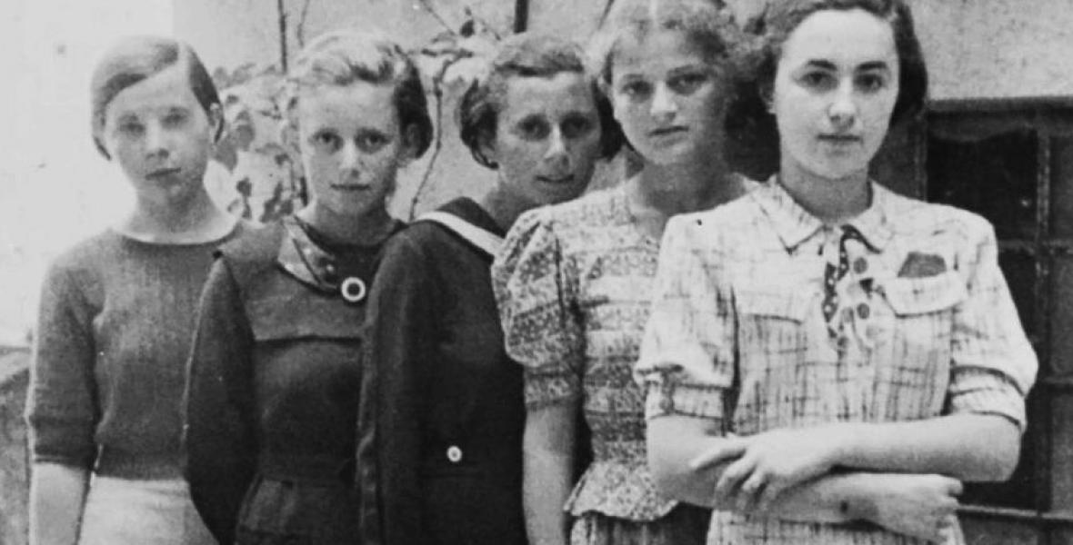 Miért pont 999 fiatal, hajadon nőt vittek el először Auschwitzba?