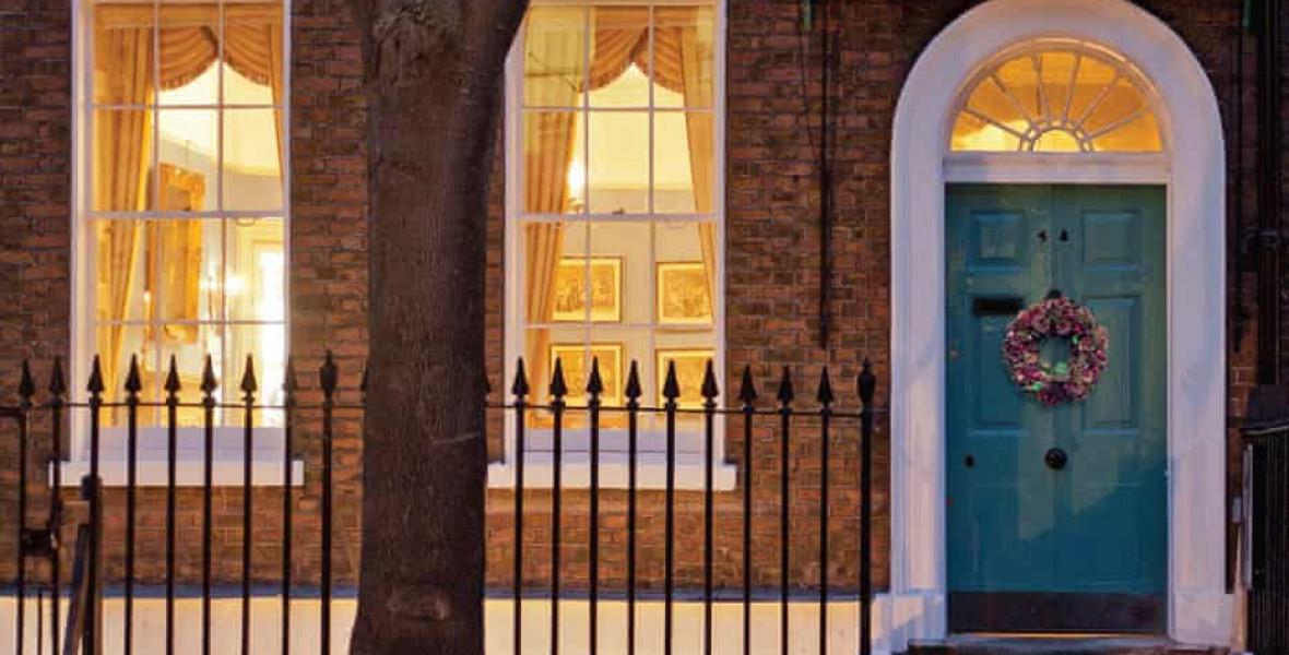 Járd végig Charles Dickens otthonát szobáról szobára!