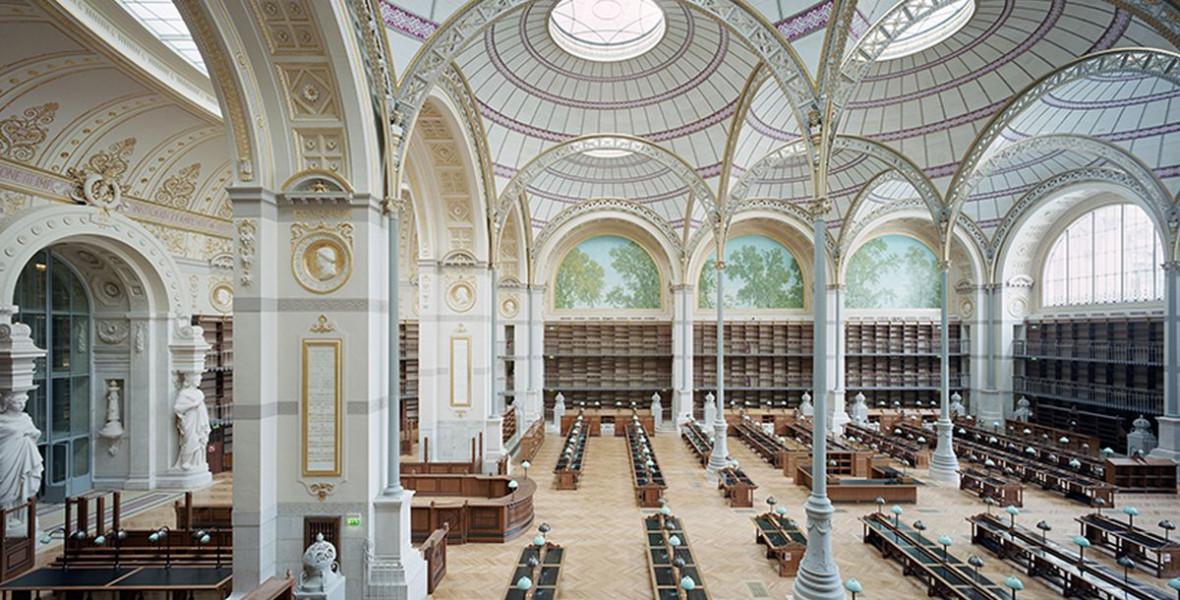 Könyvesblokk: Ezek a könyvek térben és időben is messzire visznek