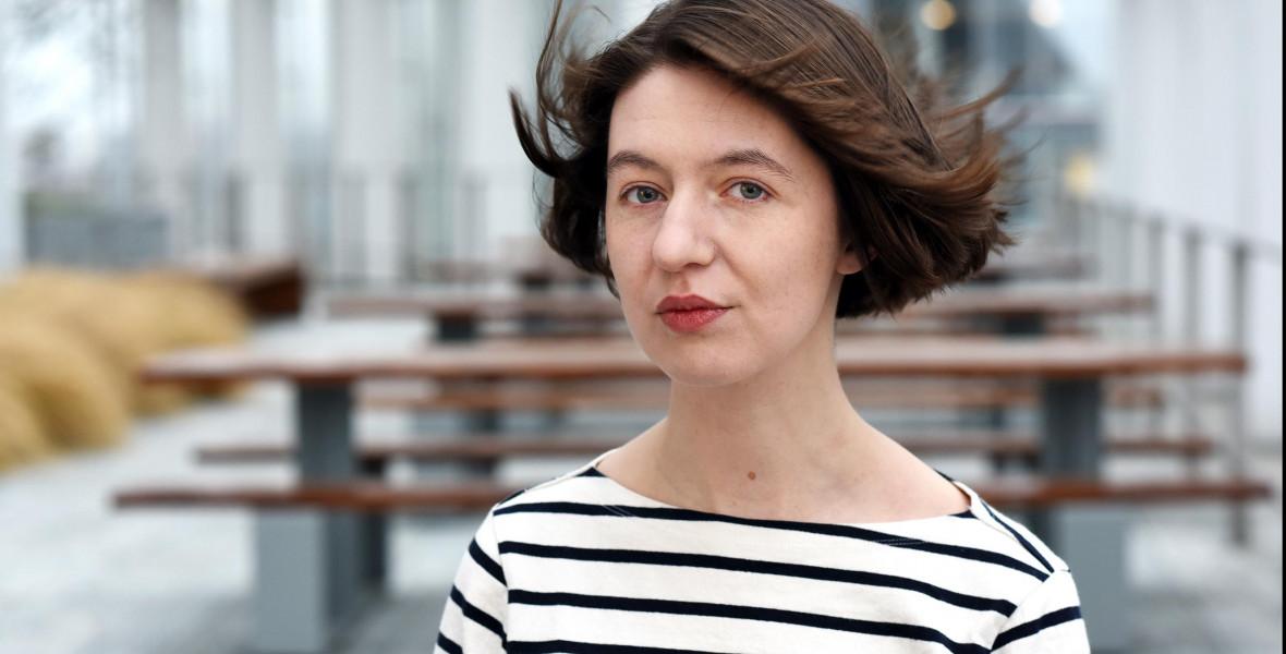Sally Rooney: A műveimet elsősorban a romantikus kapcsolat mozgatja