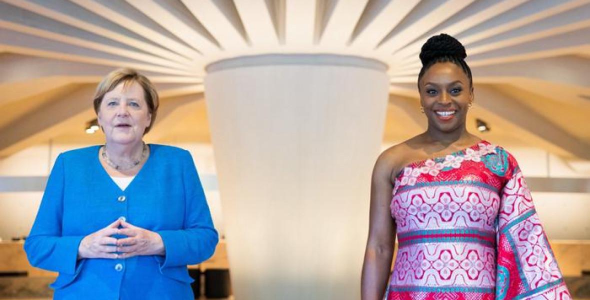 Chimamanda előhozta Merkelből a feministát
