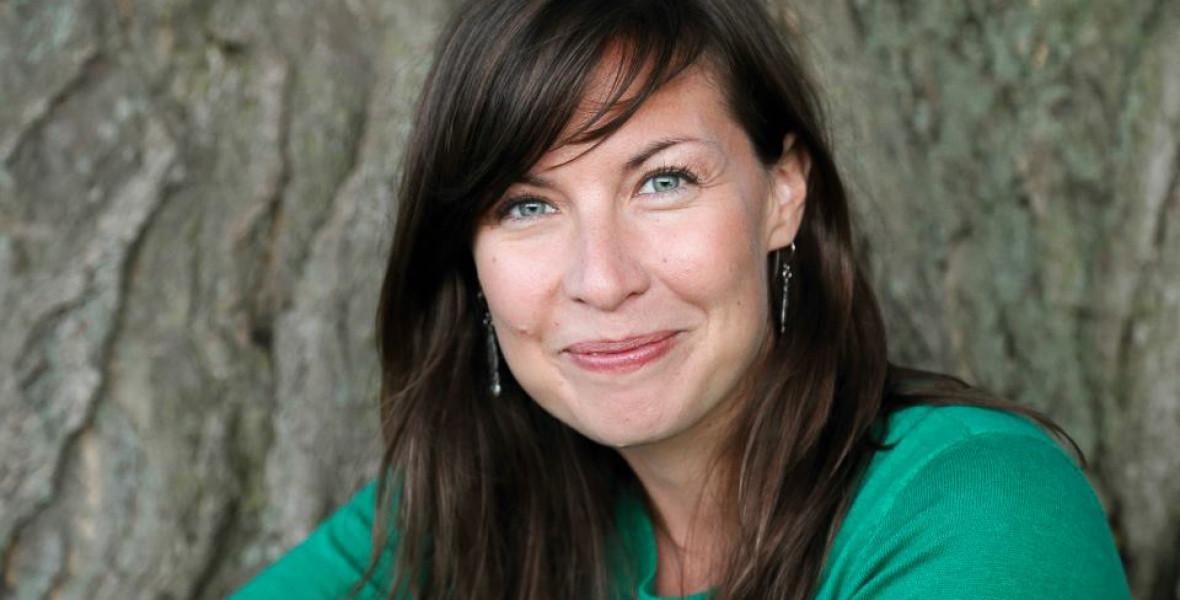 Dühös nők transzgenerációs sérüléseket gyógyítanak –  Bethany Webster Anyaseb című könyvéről