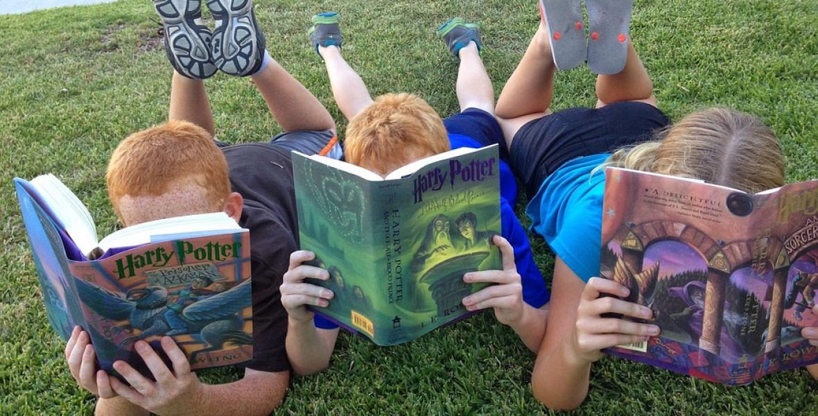 Minden gyerek Rowlingot olvas