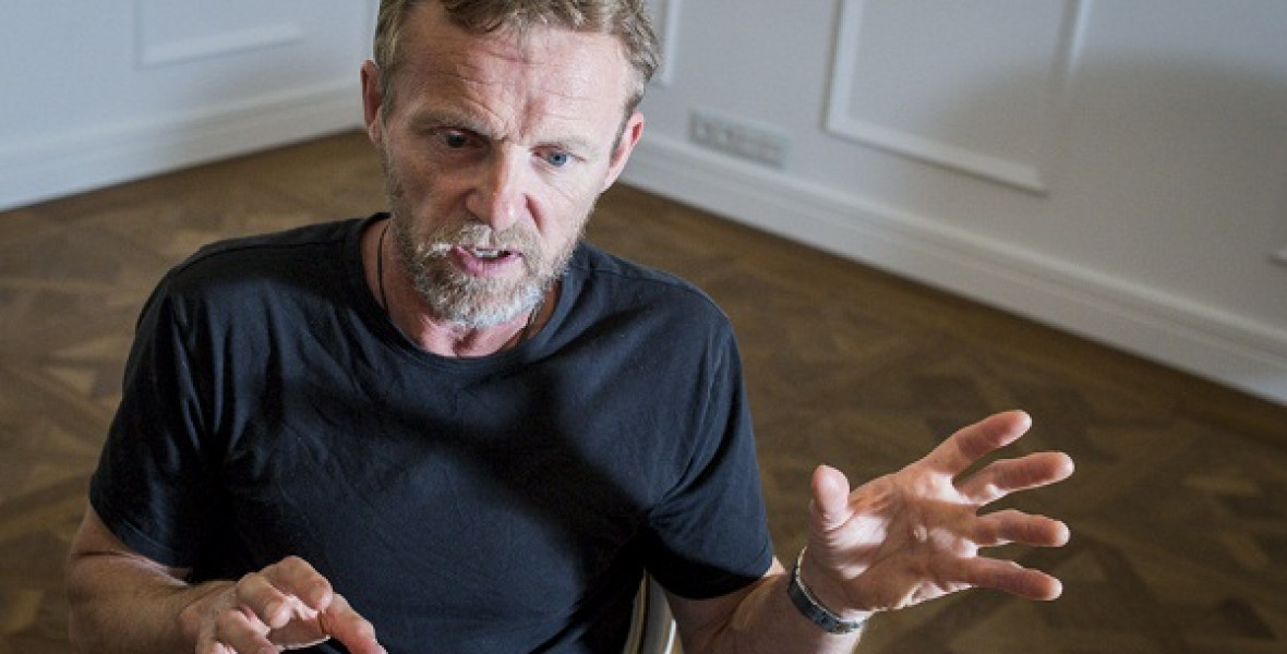 Jo Nesbø: A történetmesélés gyakran a manipulálásról szól