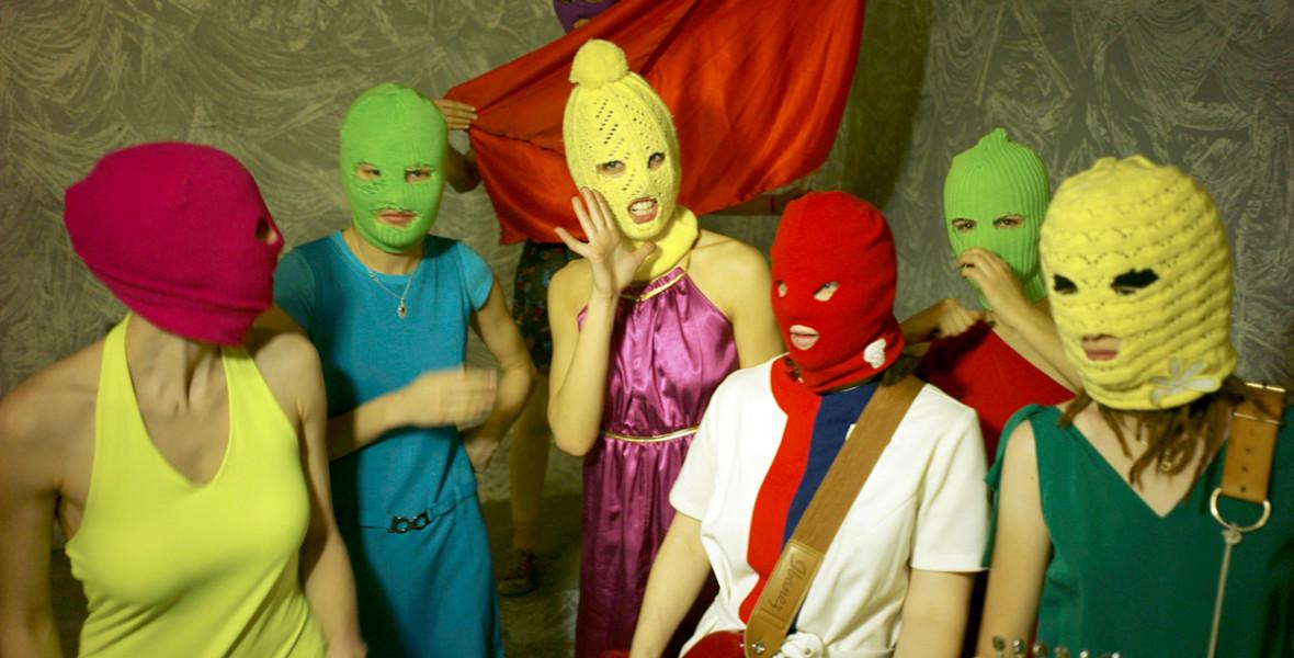 Így vált világhírű művészcsoporttá a Putyin ellen lázadó Pussy Riot