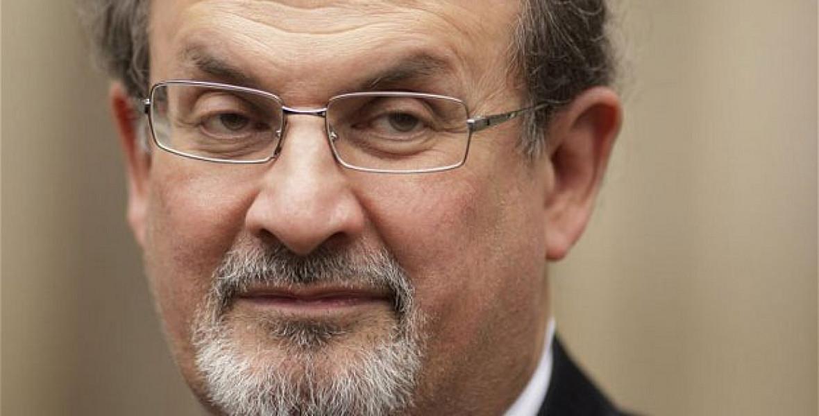 Rushdie: Amíg van mondanivalóm, megpróbálom szavakba önteni