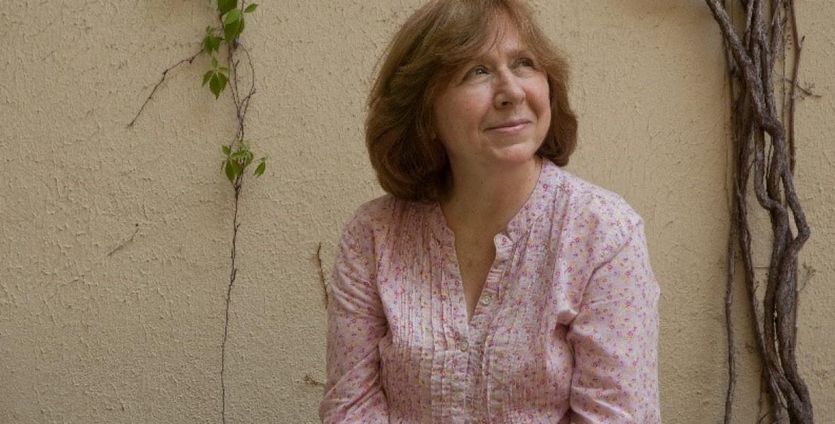 Szvetlana Alekszijevicsnél bombát kerestek a berlini reptéren